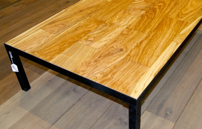 planete-parquets-decoration-meubles-tendances-table-basse-design-table-basse-en-bois-et-metal-noir