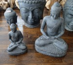 boudha-assis-pierre-reconstitué-